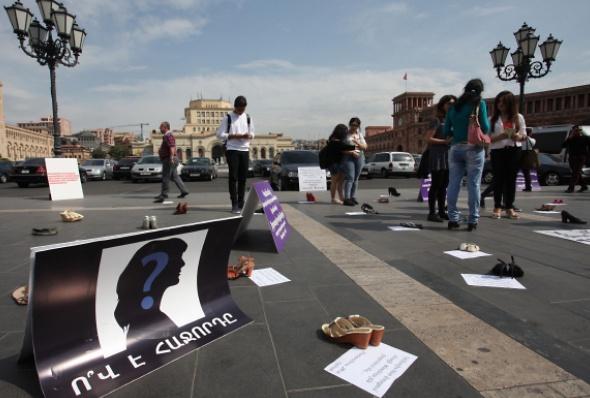 Армения: активисты призывают ускорить принятие закона против домашнего насилия