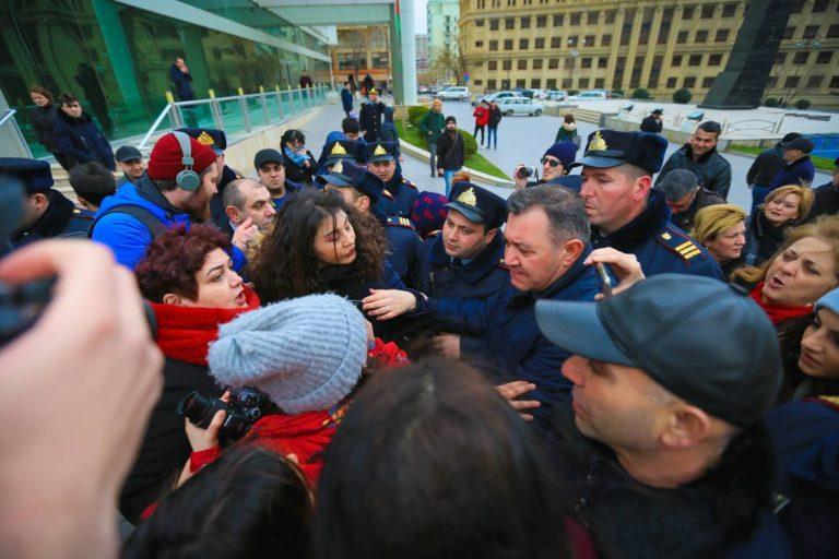 Азербайджан: праздник женщин на фоне насилия